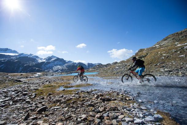 Bormio ospiter due tappe della bike transalp pianeta for Immagini di laghetti