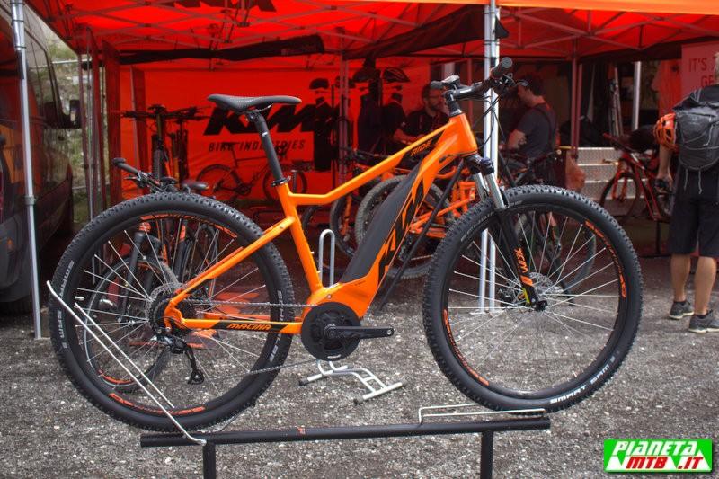 anticipazioni sulla gamma ktm bikes industries 2019. Black Bedroom Furniture Sets. Home Design Ideas
