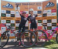 podio_donne_pellizzano_biketransalp.jpg