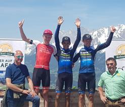 alpen-tour-podio-tappa-uomini.jpg