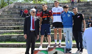 Il Team Race Mountain Folcarelli Cycling impegnato in un intenso aprile