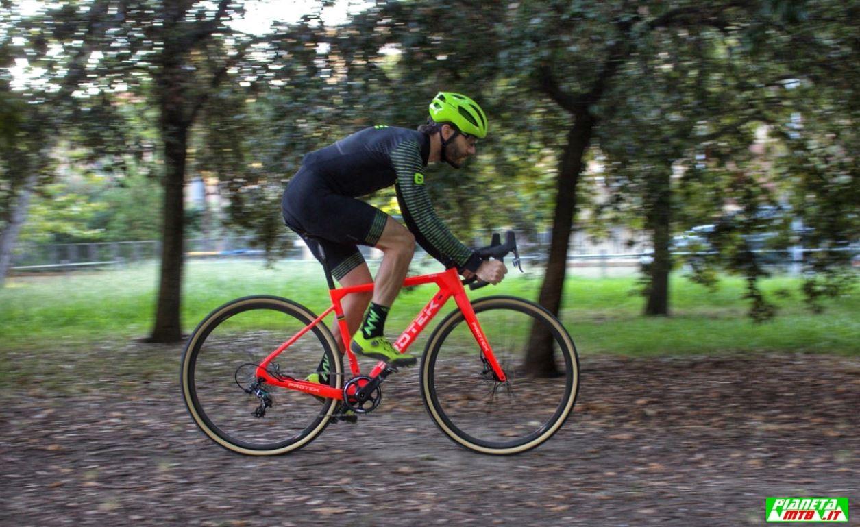 Cicli Protek CX Carbon elite primo piano