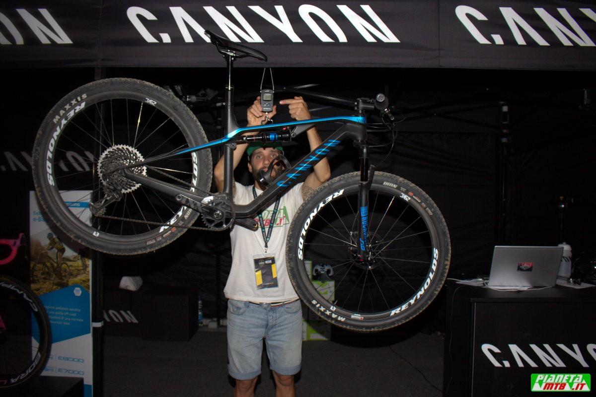 Canyon Lux CF SLX 9.0 Pro Race - Peso