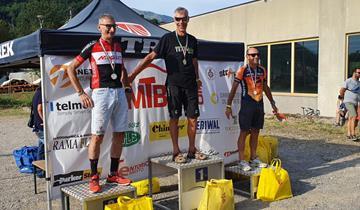 Leo Arici sul podio al Giro del Monte Canto