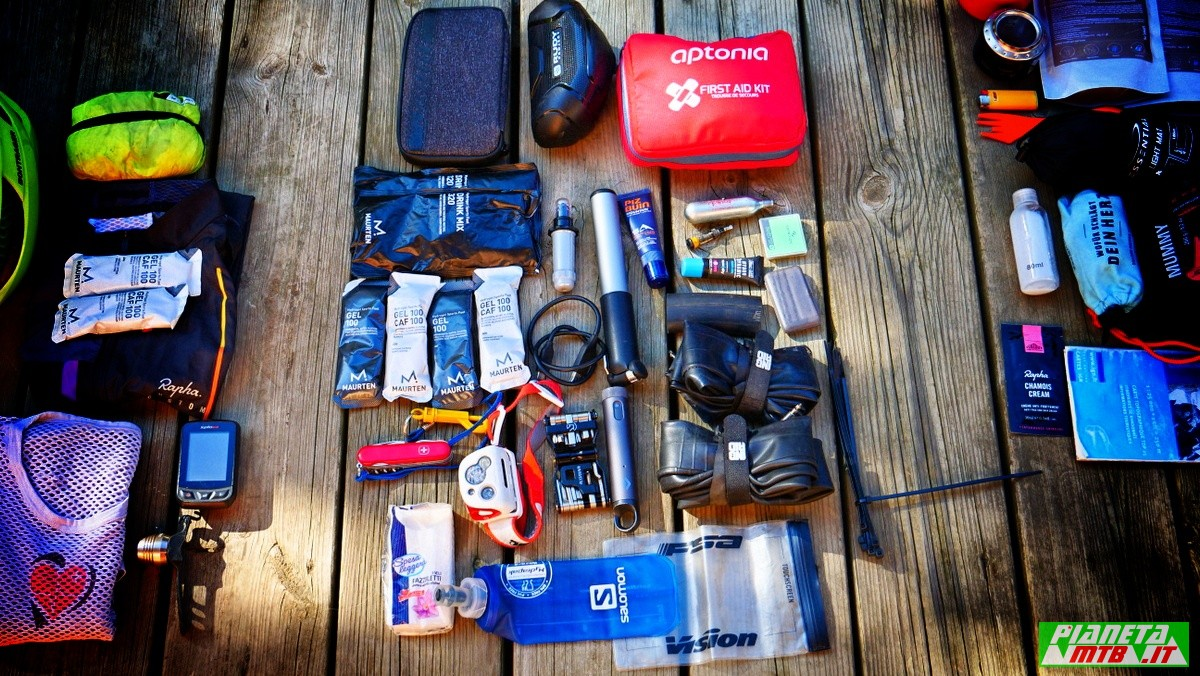 Kit bikepacking officina bicicletta - riparazione