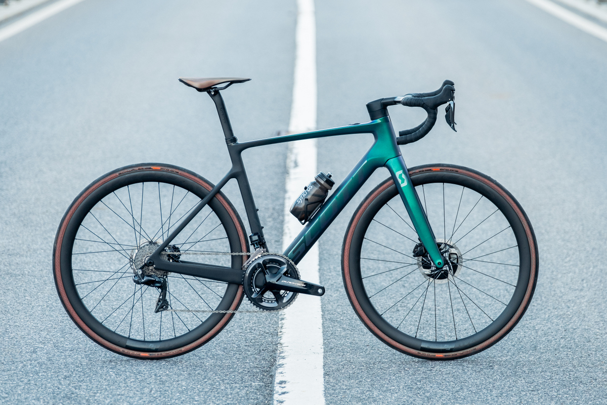 Scott Addict eRide bicicletta elettrica da strada