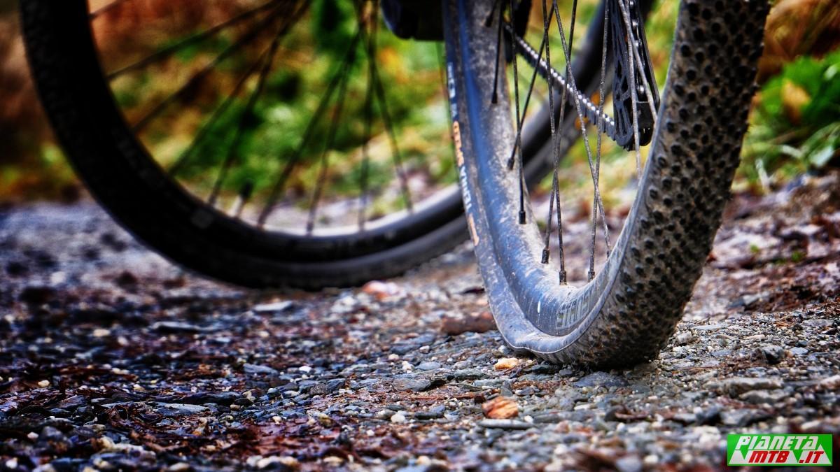Foratura con una gravel bike