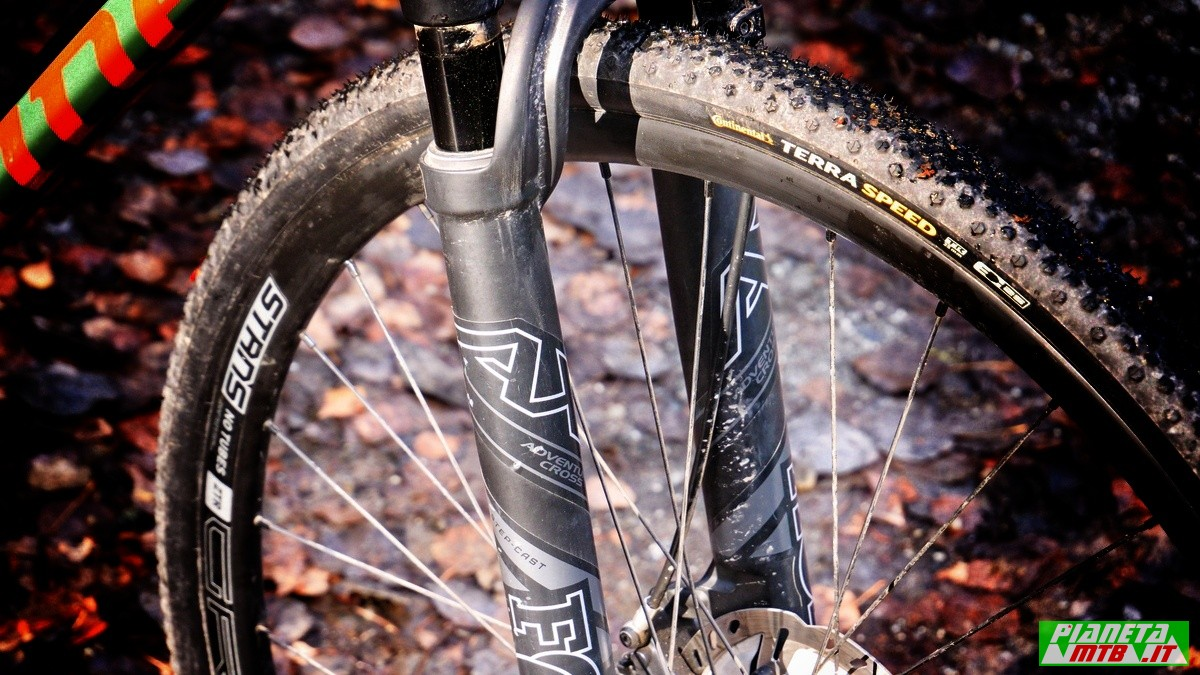 Fox 32 AX forcella gravel bike