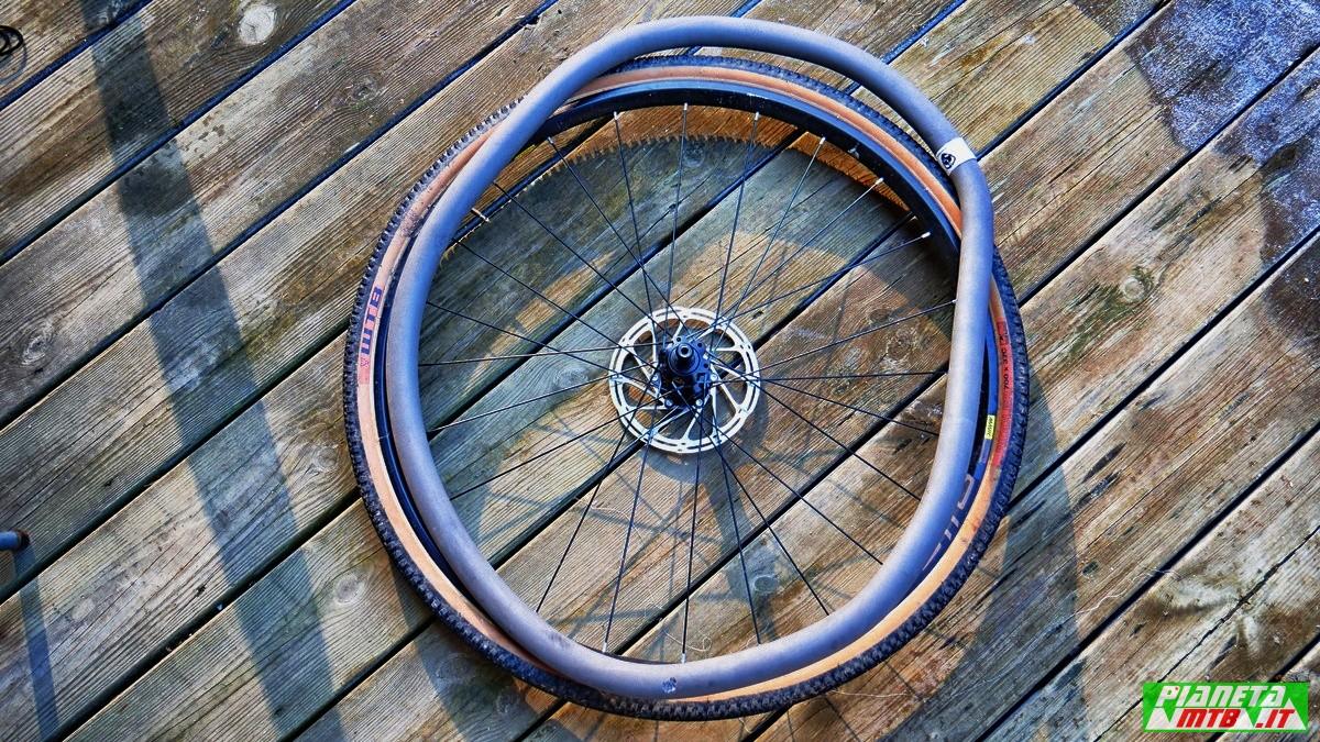 Inserto antiforatura per gravel bike
