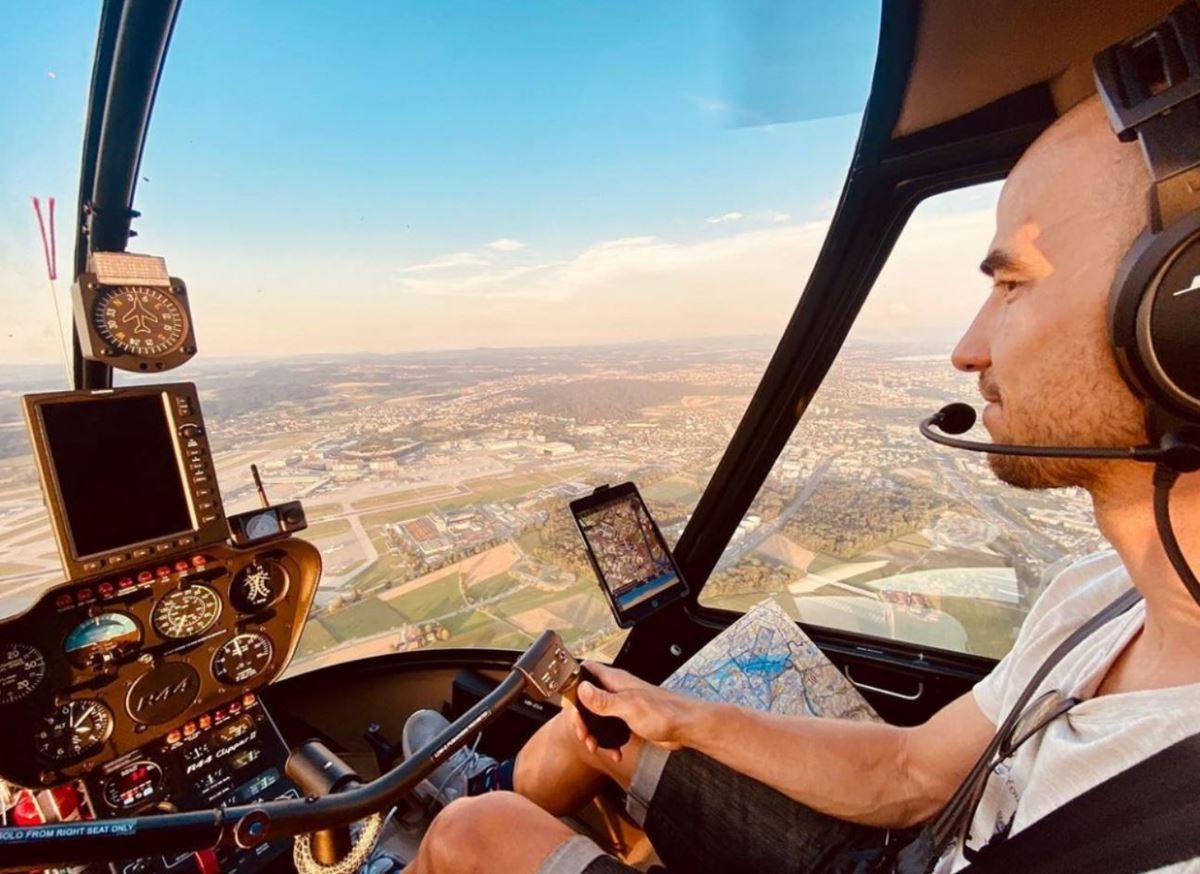 Nino Schurter pilota di elicotteri