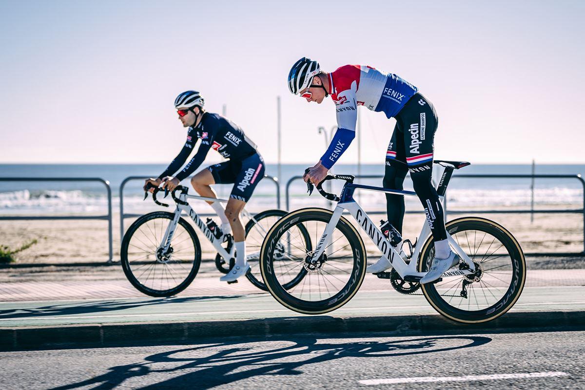 Mathieu Van der Poel in ritiro in Spagna