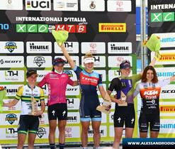 lathuile-women-podio-donne.jpg