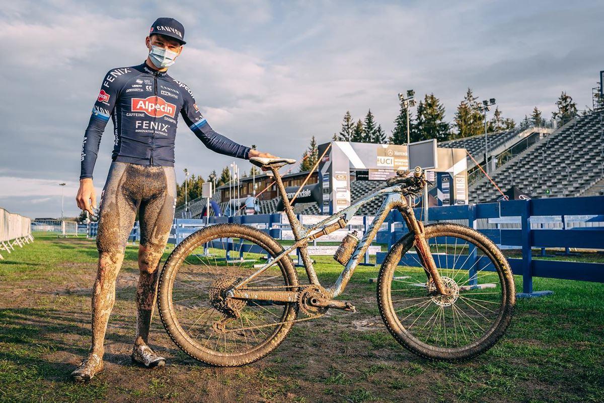 Mathieu Van der Poel primo a Nove Mesto nello Short Track