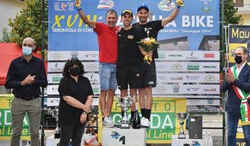 Francesco Failli sul podio alla Bacialla Bike
