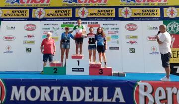 Roberta Seneci sul podio W3 del campionato italiano mx