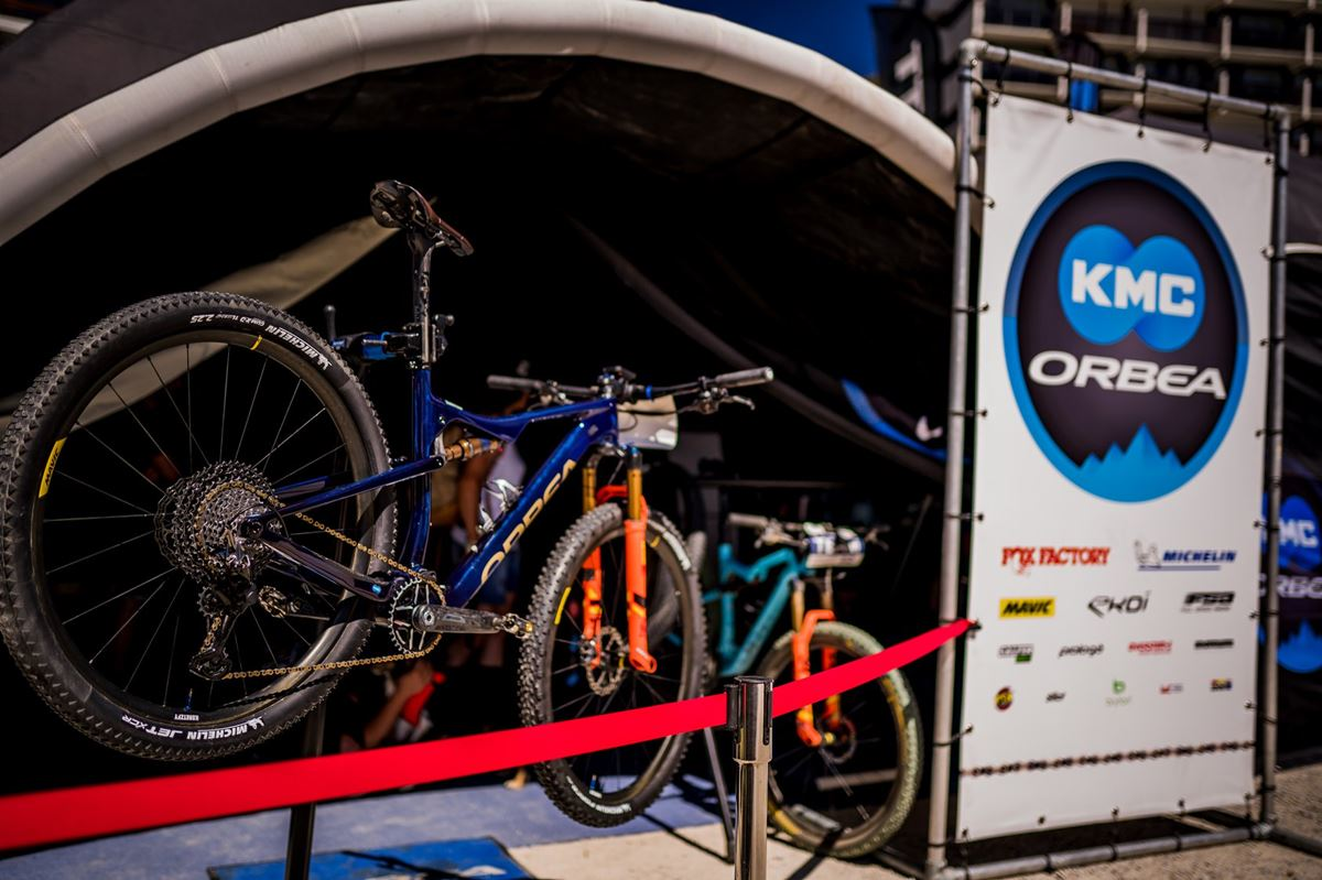 Supporto manutenzione bici VAR 85000 team Replica