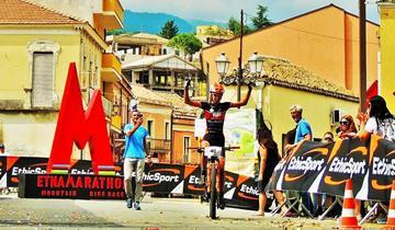 Vittoria della Burato (Omap Cicli Andreis) alla Etna Marathon