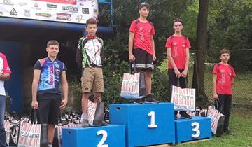 Show dei ragazzi di Pavan Free Bike a Laveno Mombello nel Gran Prix Valli Varesine