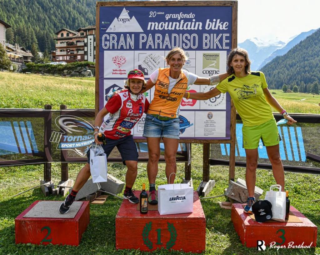 Il podio Master Woman della GranParadiso Bike con Karin Tosato seconda