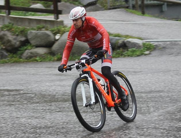 Cristian Cominelli alla Val di Fassa Bike al termine della discesa di Someda
