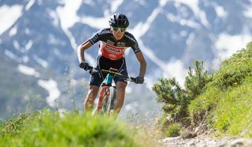 Tony Longo sul podio della Transmaurienne Vanoise