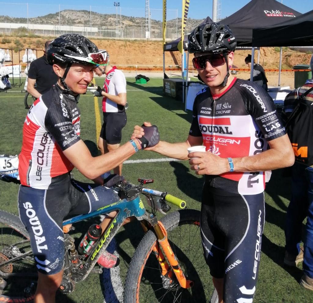 Daniele Mensi e Tony Longo soddisfatti dopo l'arrivo della seconda tappa della Mediterranean Epic