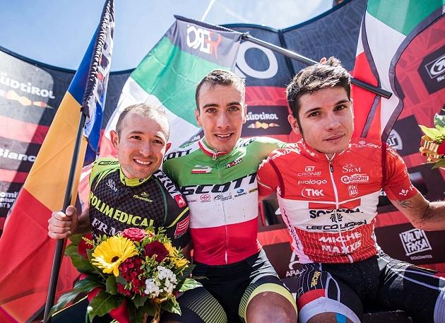 Il podio della Hero Südtirol Dolomites con Daniele Mensi terzo, come nel 2016