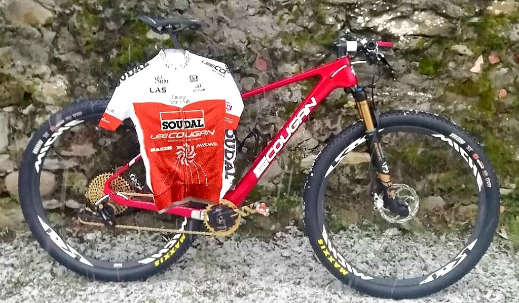 La Rampage Air Furious Red e la nuova maglia 2019 di SOUDAL-LEE COUGAN Racing Team