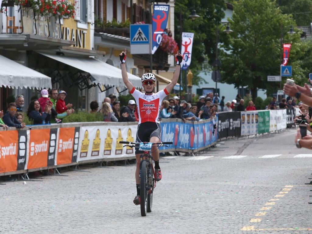Il  vittorioso arrivo di Stefano Valdrighi alla Südtirol Dolomiti Superbike