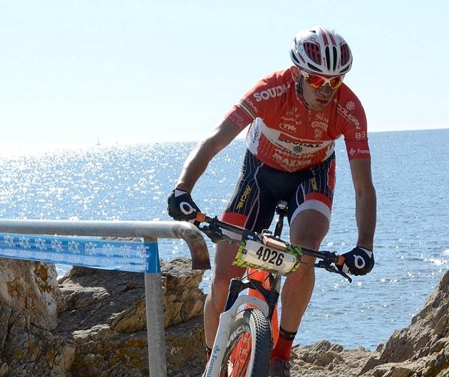 Stefano Valdrighi nel Sentiero dei Doganieri alla Roc d'Azur
