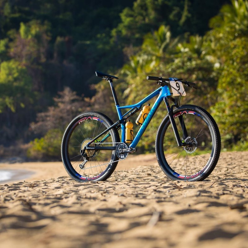 "Che spettacolo le Specialized S-Works Epic ""custom"" usate ..."