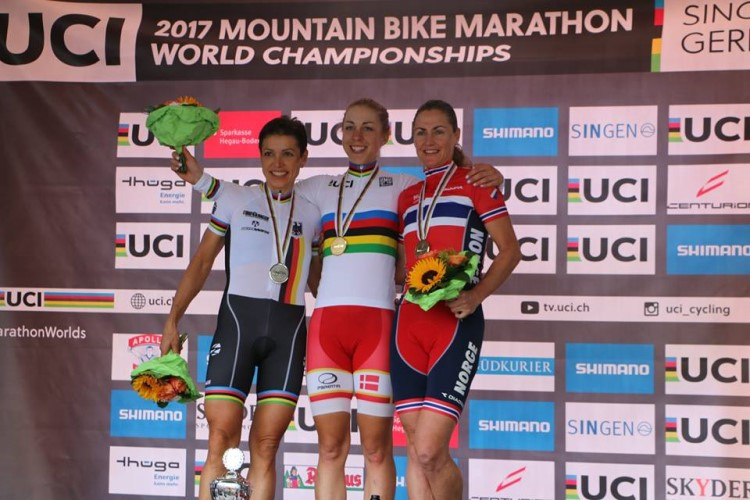Singen PODIO DONNE mondiale marathon di mountain bike 2017